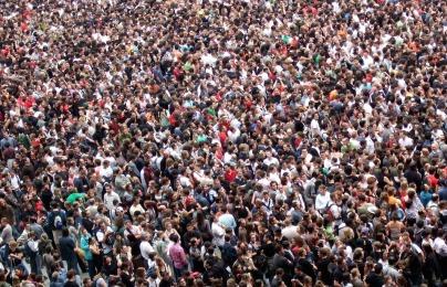 crowds-2768571_960_720